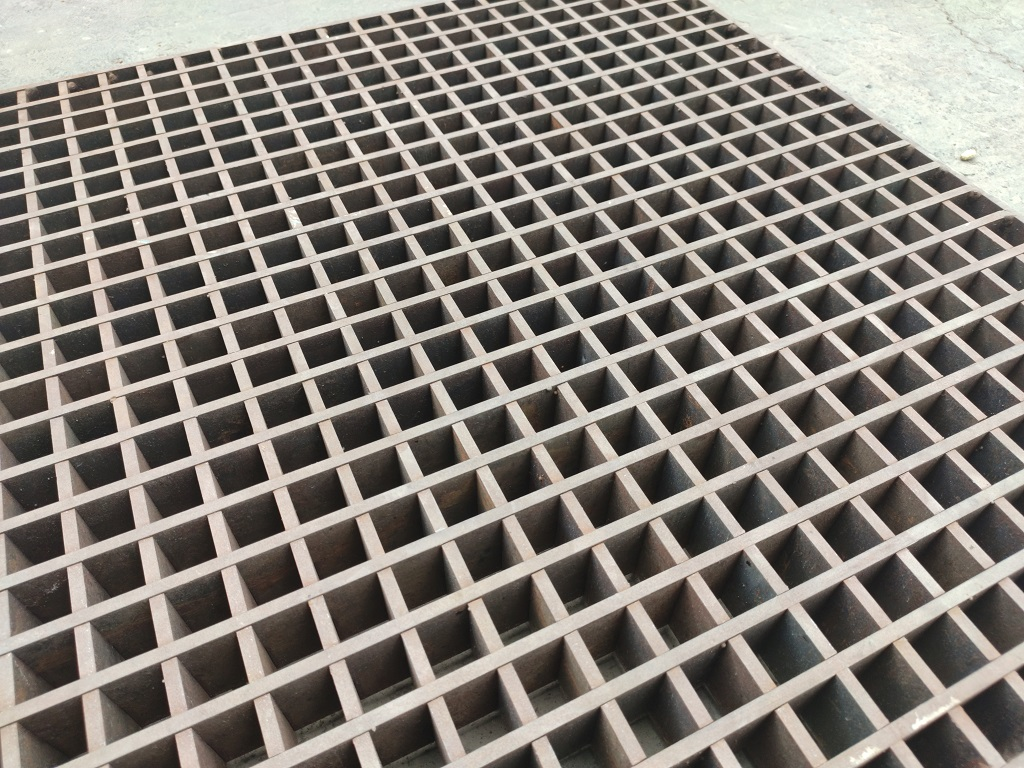 Heavy-duty-grating-abudhabi-suppliers-uae