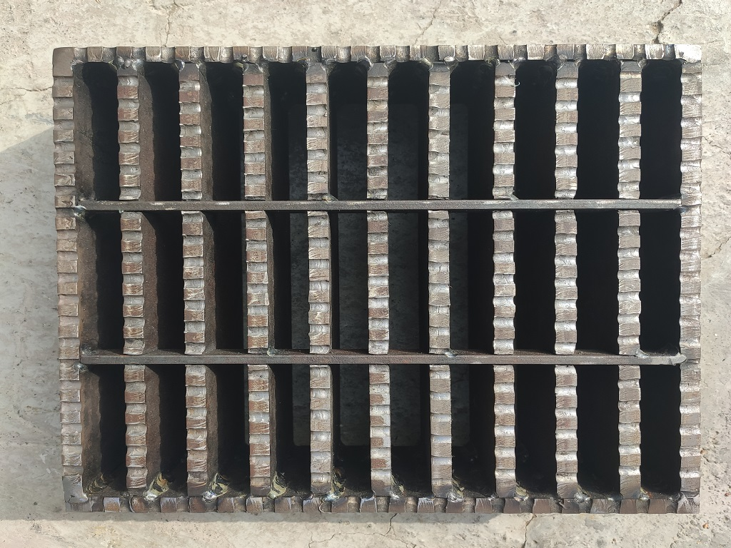 Heavy-duty-grating-dubai-suppliers-uae